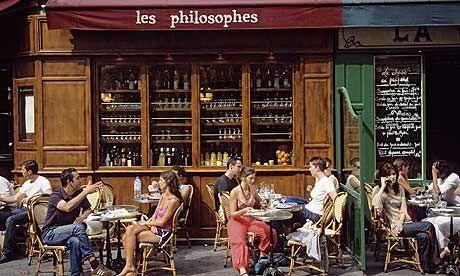 Smoking in Paris cafes