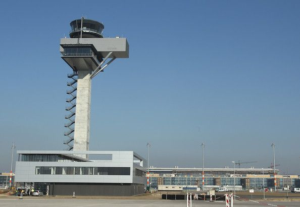Brandenburg airport delayed to 2013