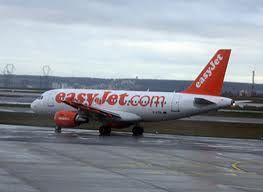 Easyjet threatens French strike