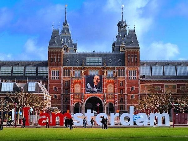 Rijksmuseum to reopen April 2013