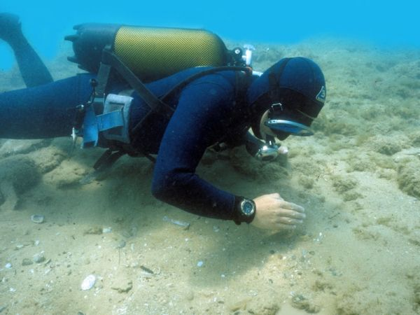 Shipwreck: The Coin Hoard of the Six Emperors