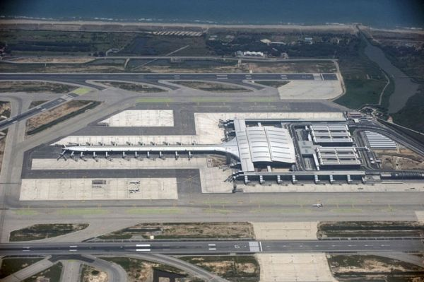 Barcelona best airport in southern Europe