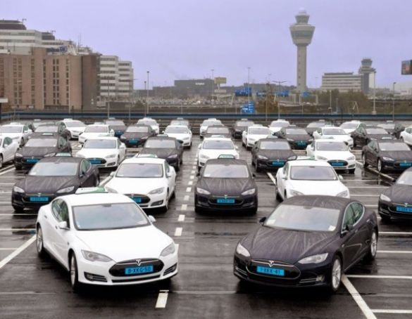 Electrical taxis at Schipol airport