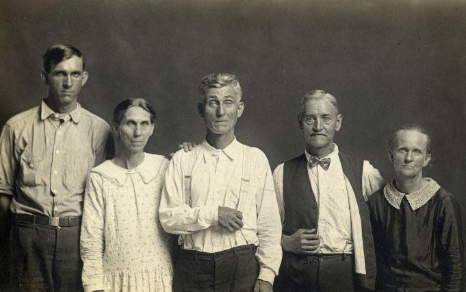 Disfarmer: The vintage prints