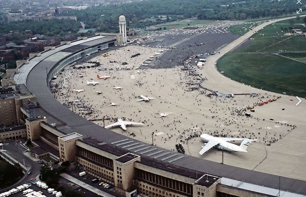 Berlin's Tempelhof airport to become tourist attraction