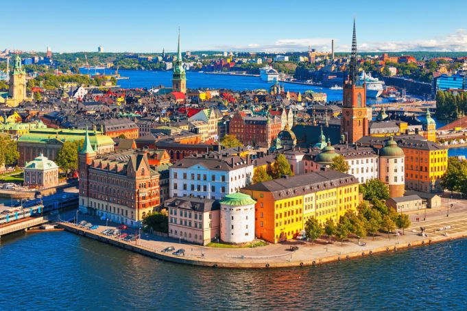 Coronavirus in Europe: Sweden opts for herd immunity