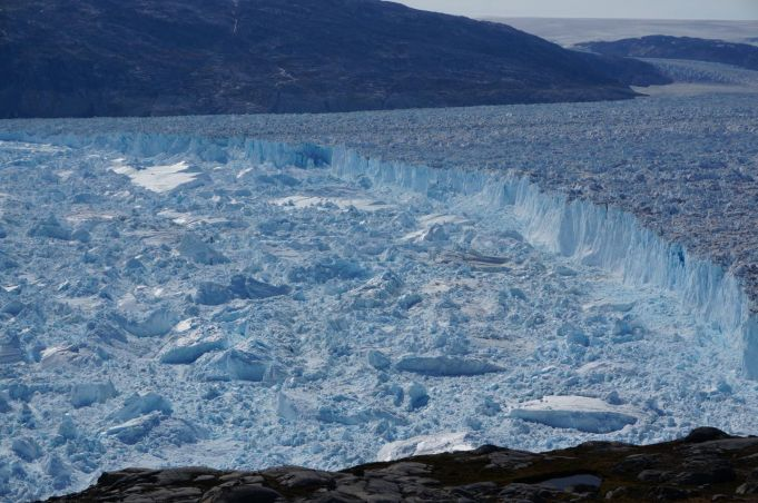 The Helheim glacier in Greenland is melting