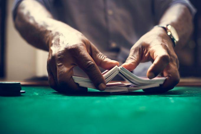 Police in Paris closes illegal poker club