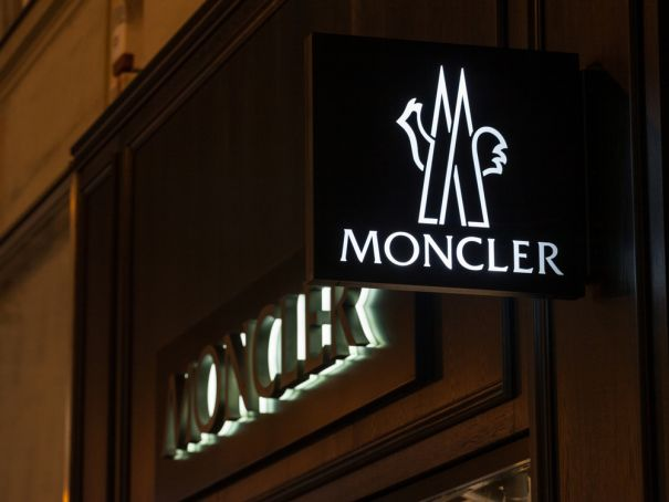 40 thousand euros of Moncler jackets stolen in a minute in Paris