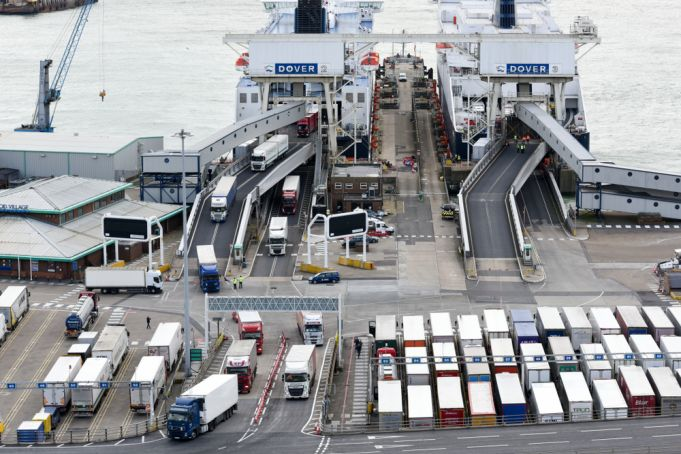Chaos at customs: Britain's exports plummet by 69% due to Brexit