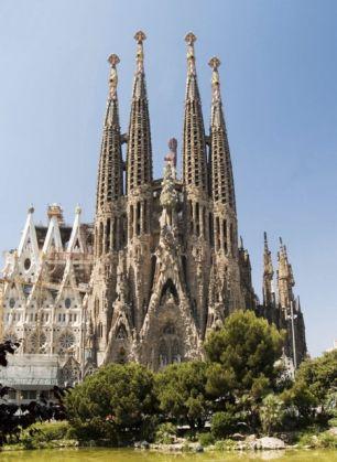 Barcelona remains hot tourist spot - image 2