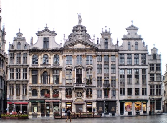 Brussels squares get new look - image 1