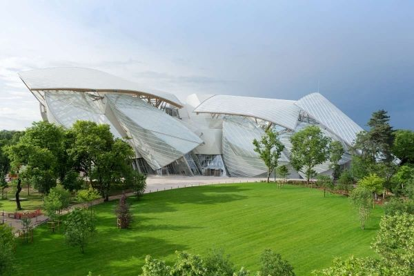 Frank Gehry's Louis Vuitton museum opens - image 2