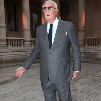 Hubert de Givenchy - image 2