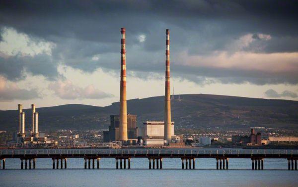 Dublin's Poolbeg chimneys get a reprieve - image 1