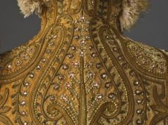 Fashioning fashion: Two centuries of European fashion, 1700-1915