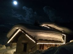Week on the Snow in a Hut over the Alps