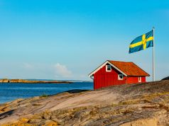 Swedish doctors and scientists criticise Swedish herd immunity strategy