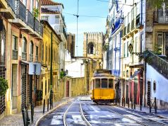 Portugal goes back into lockdown