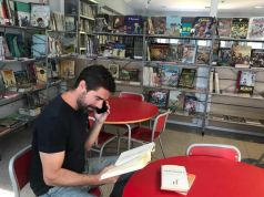 Spanish bookstore reads books to the elderly over the phone due to covid
