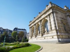 Unlucky exhibitions in Paris