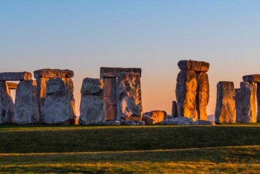 Stonehenge to live stream summer solstice