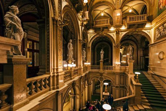 Wiener Staatsoper streams daily opera performances