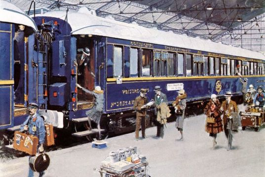 Le Train Bleu from Paris to Nice gets ready for passengers