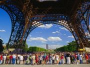 Drop in visitors to Eiffel Tower after Paris attacks