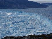 The Helheim glacier in Greenland is melting
